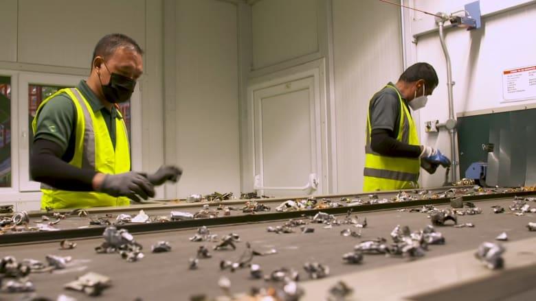تحويل القمامة إلى كنز.. إعادة تدوير النفايات الإلكترونية في دبي